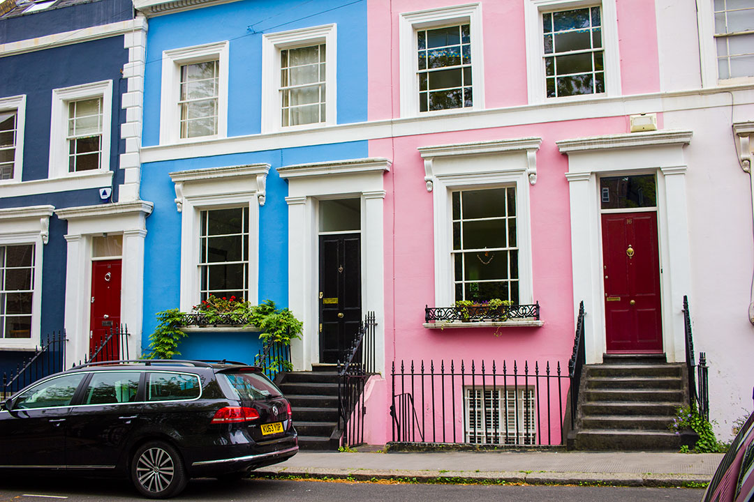 notting-hill-pastel-houses-london-2.jpg