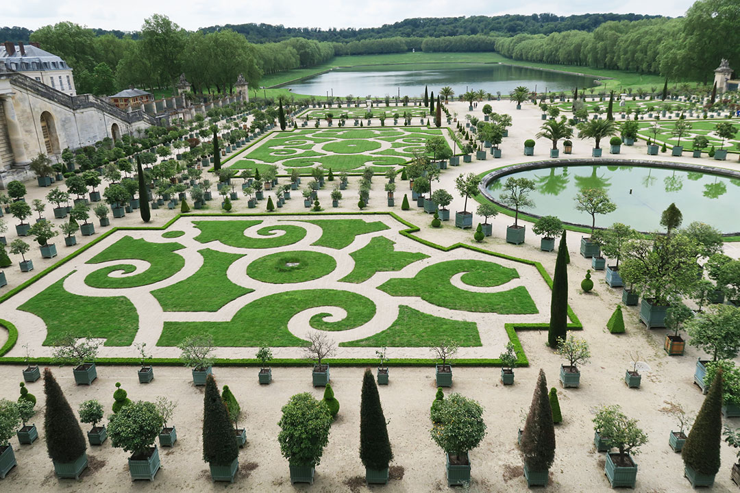 paris-palace-of-versailles.jpg